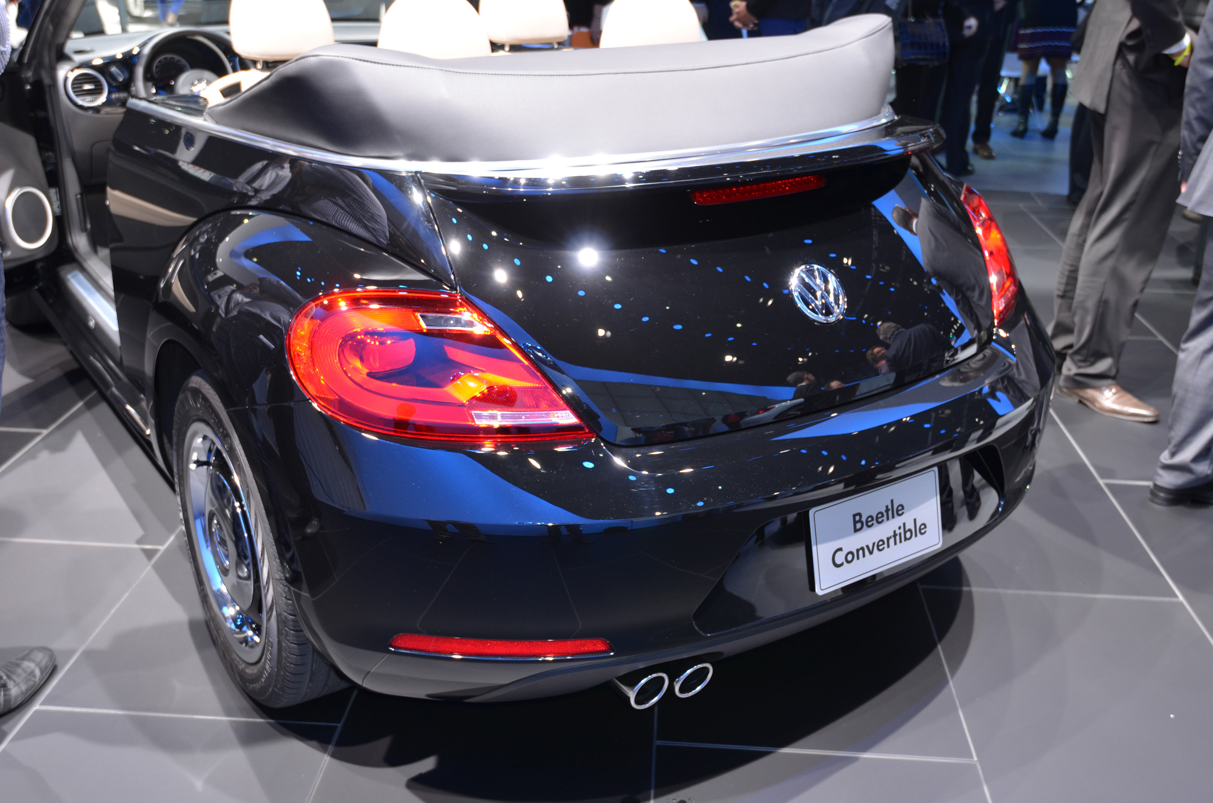 volkswagen-beetle-convertible-020