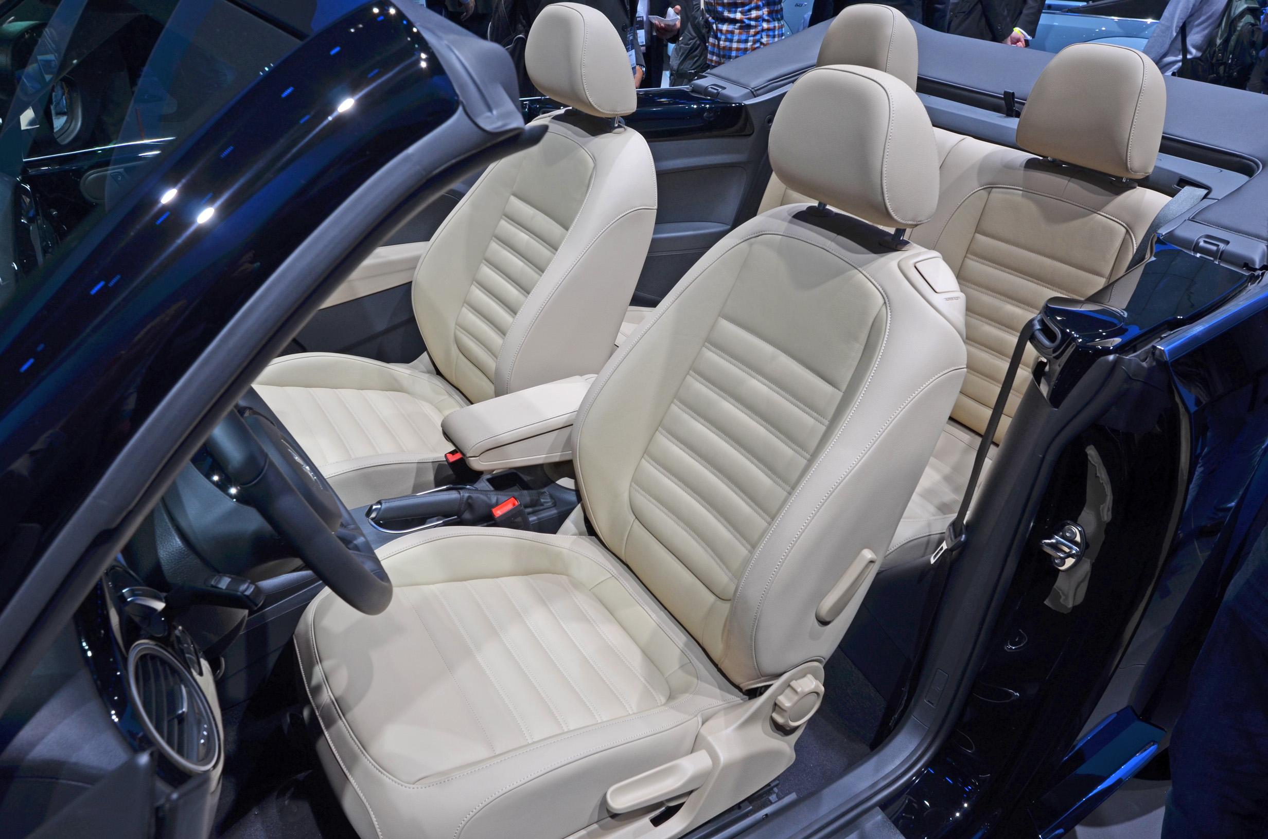 volkswagen-beetle-convertible-022