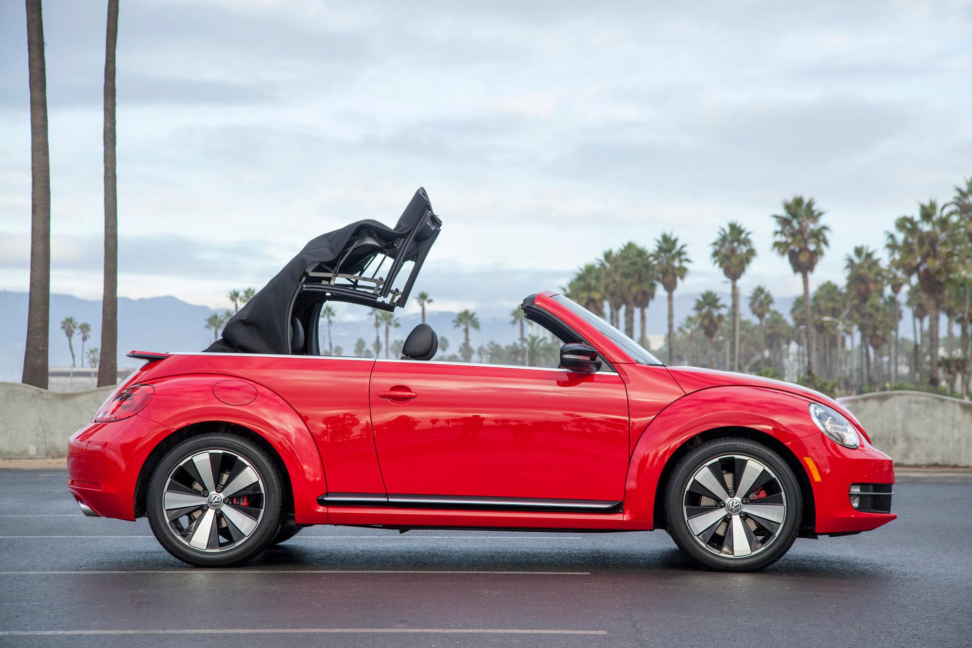 volkswagen-beetle-convertible-035