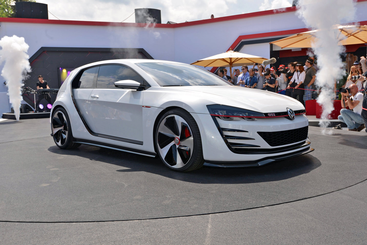 volkswagen-design-vision-gti-worthersee-015