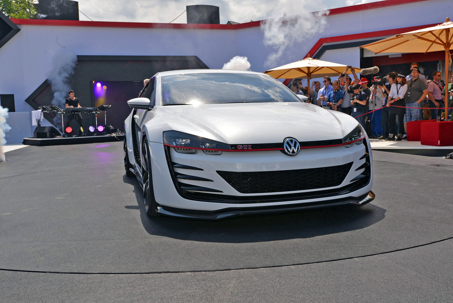 volkswagen-design-vision-gti-worthersee-016