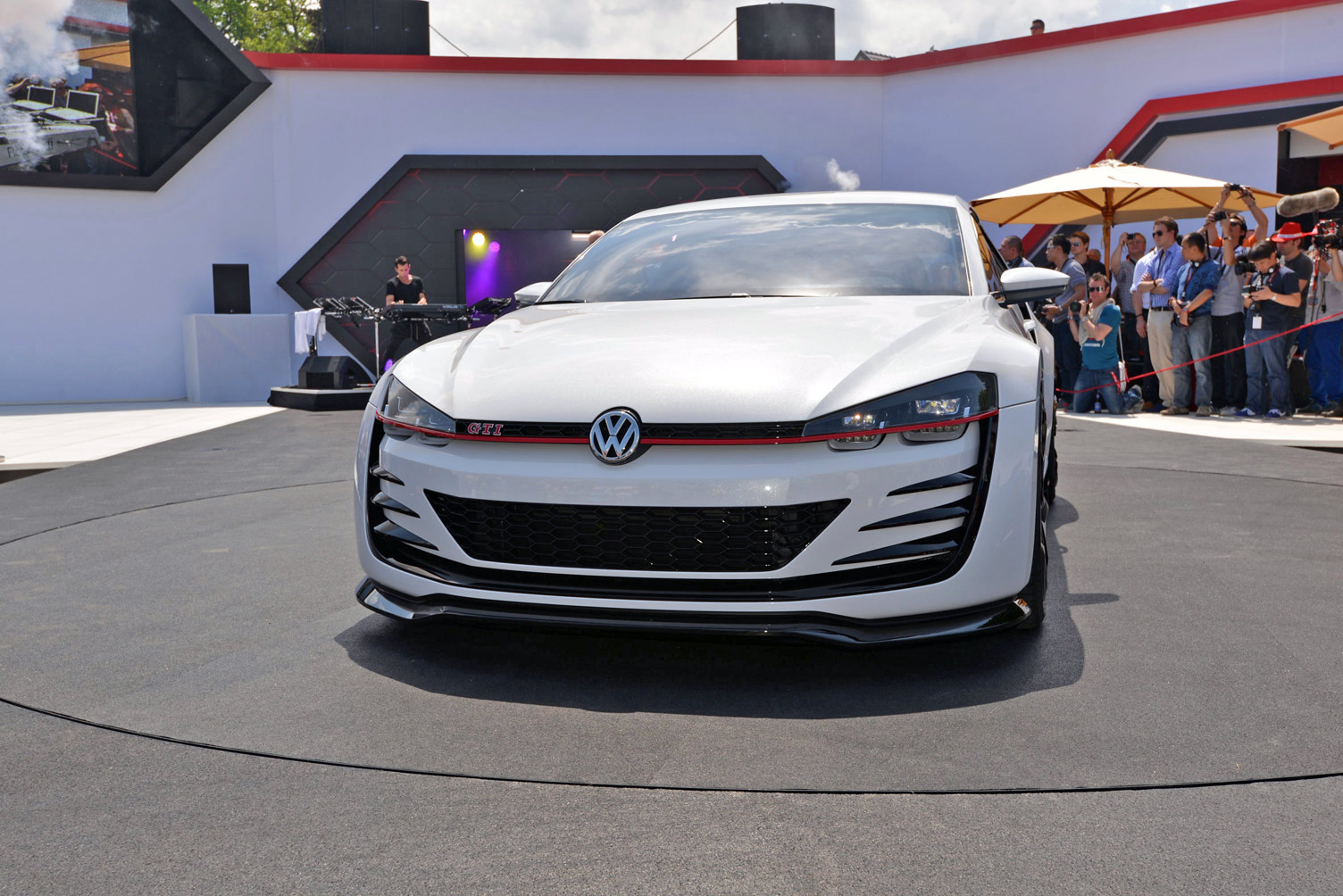 volkswagen-design-vision-gti-worthersee-017