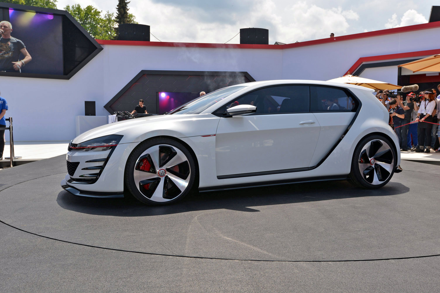 volkswagen-design-vision-gti-worthersee-019