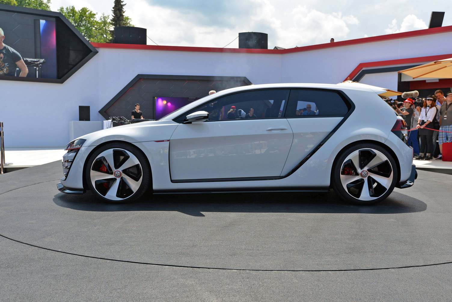 volkswagen-design-vision-gti-worthersee-020