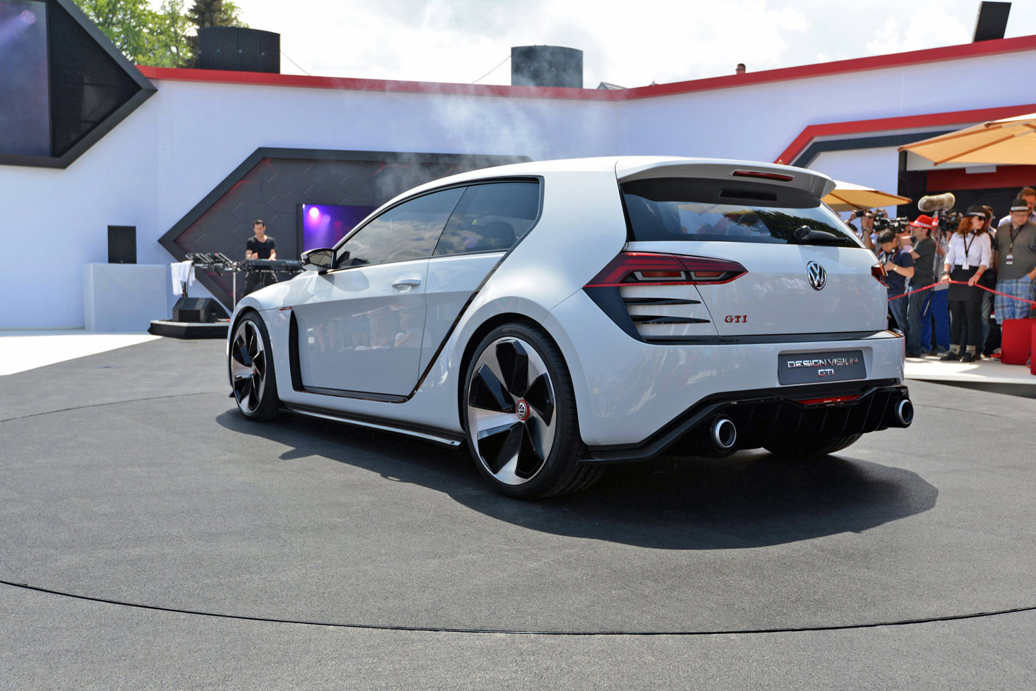 volkswagen-design-vision-gti-worthersee-022