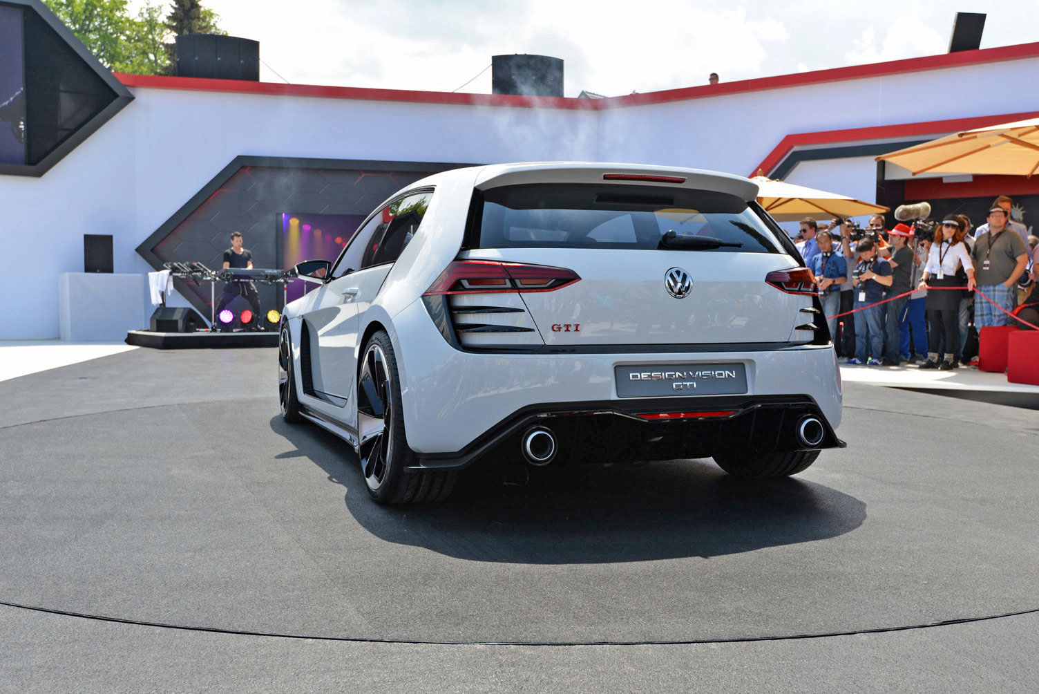 volkswagen-design-vision-gti-worthersee-023