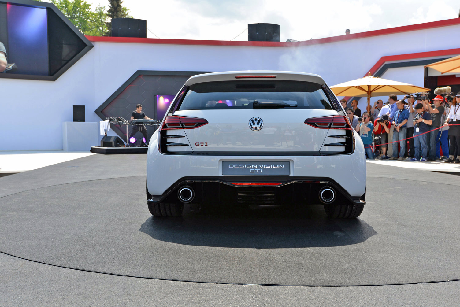 volkswagen-design-vision-gti-worthersee-024