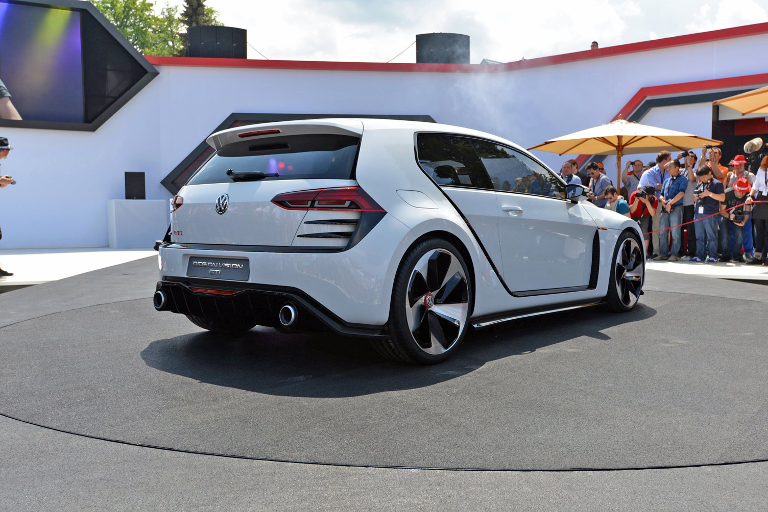 volkswagen-design-vision-gti-worthersee-026