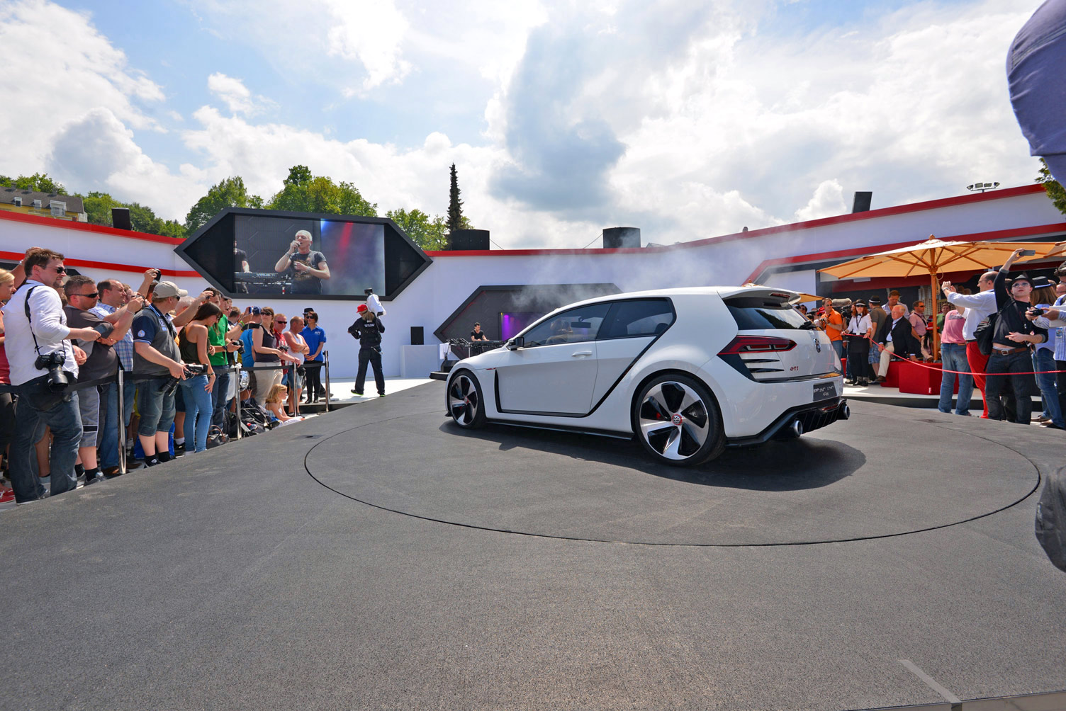 volkswagen-design-vision-gti-worthersee-027