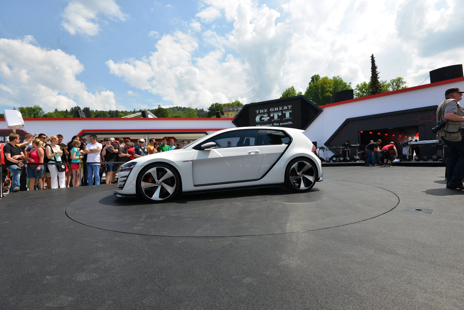 volkswagen-design-vision-gti-worthersee-029