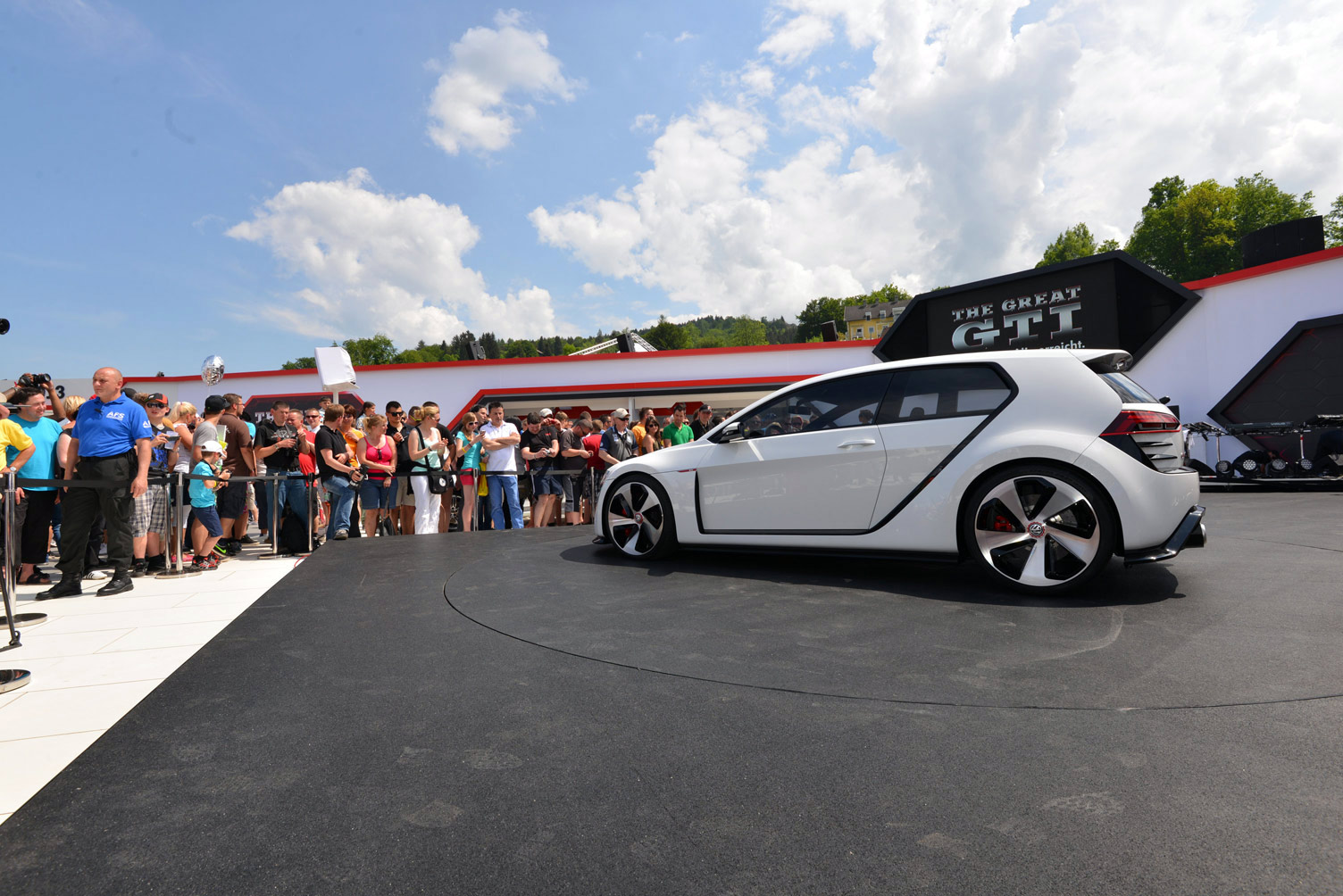 volkswagen-design-vision-gti-worthersee-031