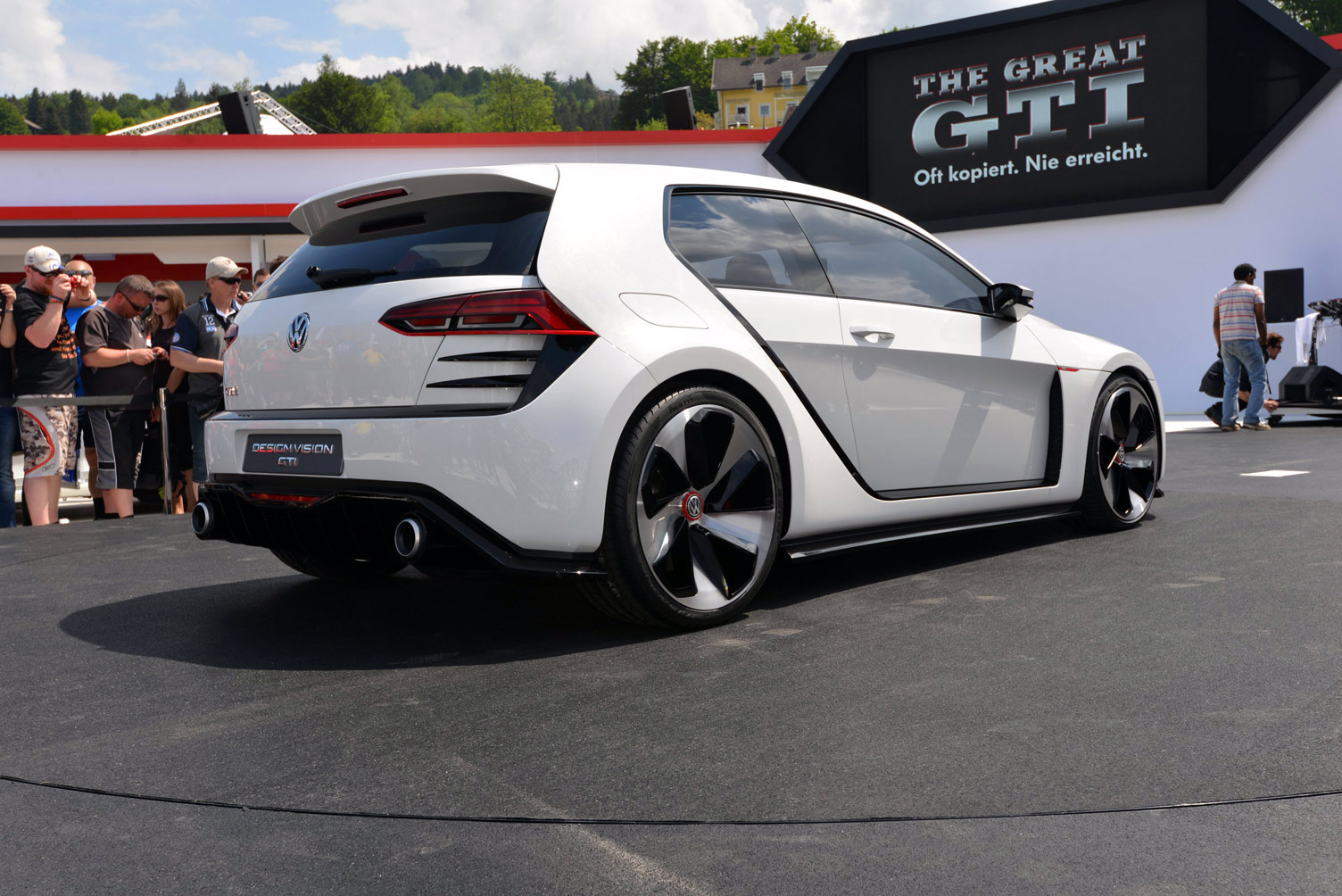 volkswagen-design-vision-gti-worthersee-033