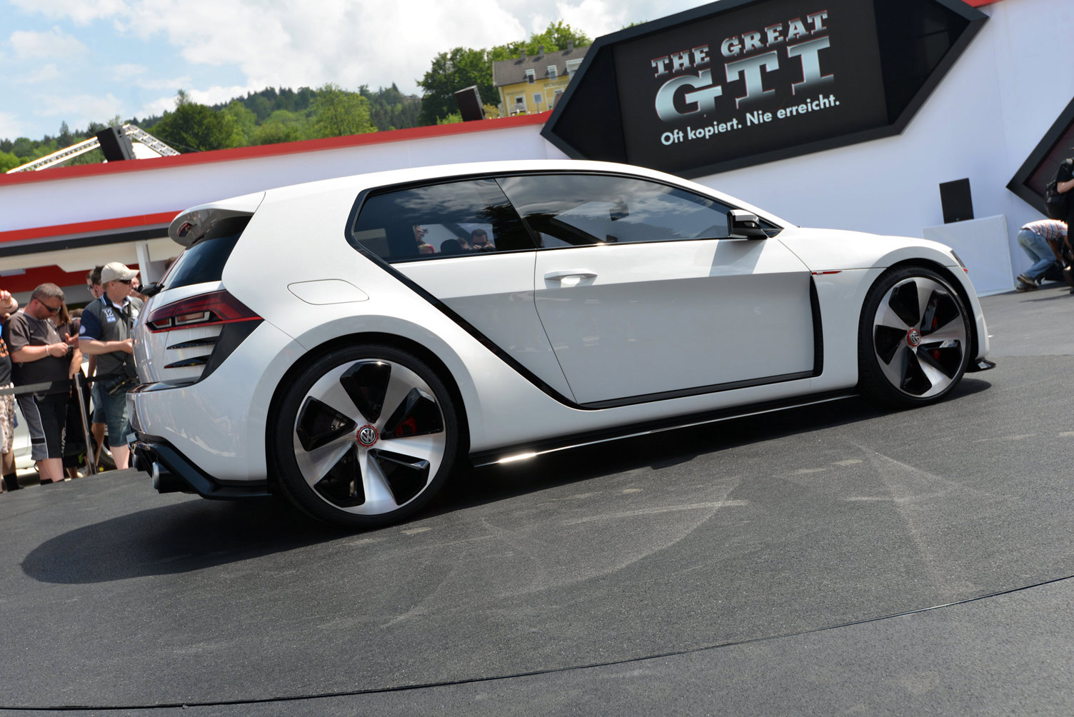 volkswagen-design-vision-gti-worthersee-034
