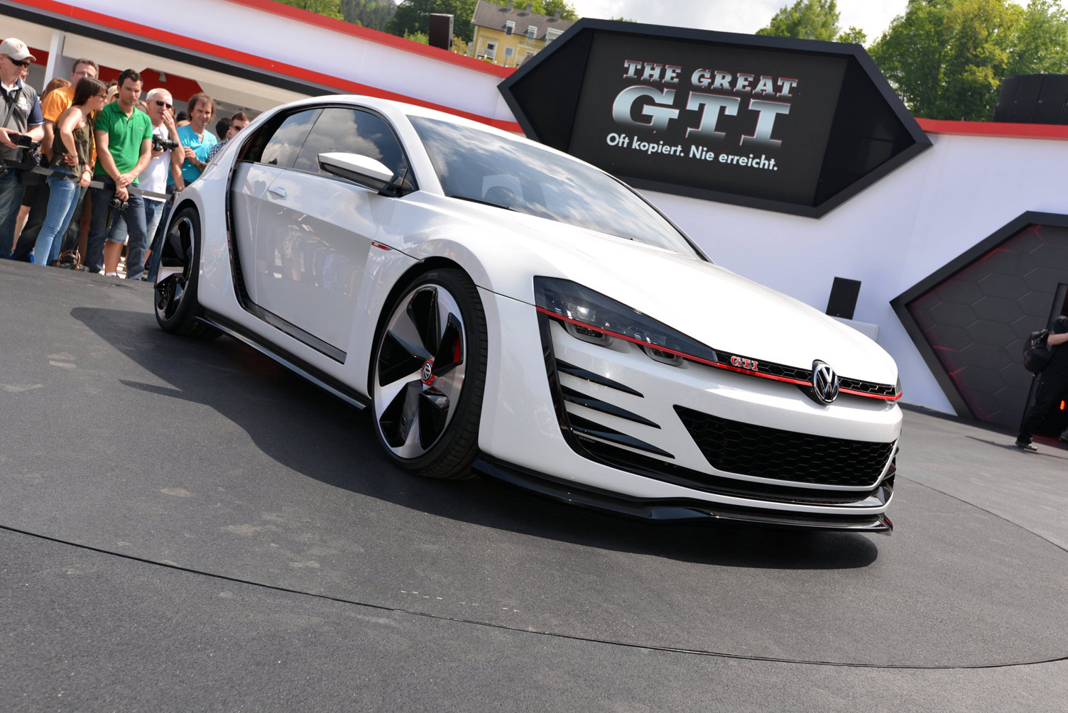 volkswagen-design-vision-gti-worthersee-035