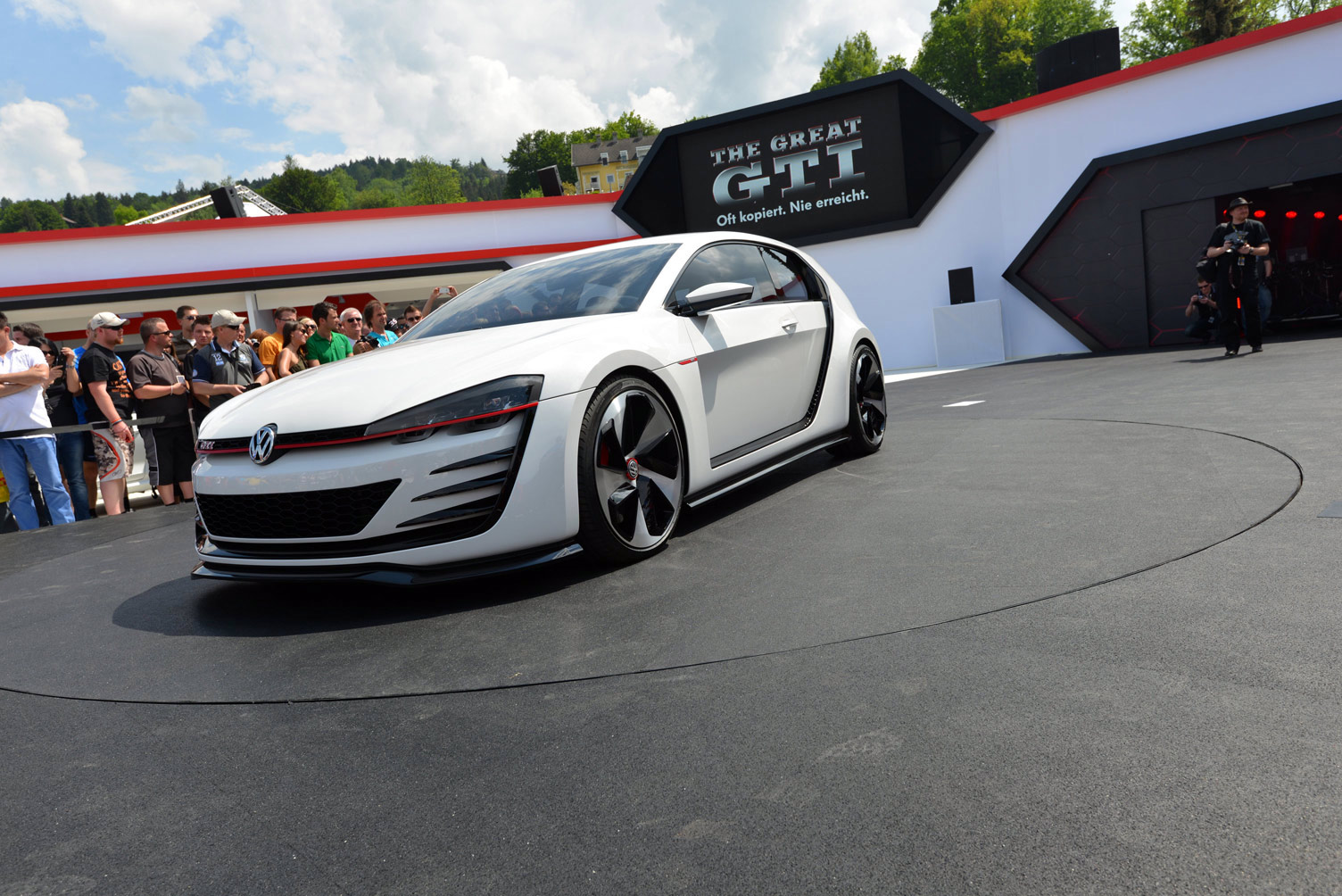 volkswagen-design-vision-gti-worthersee-036