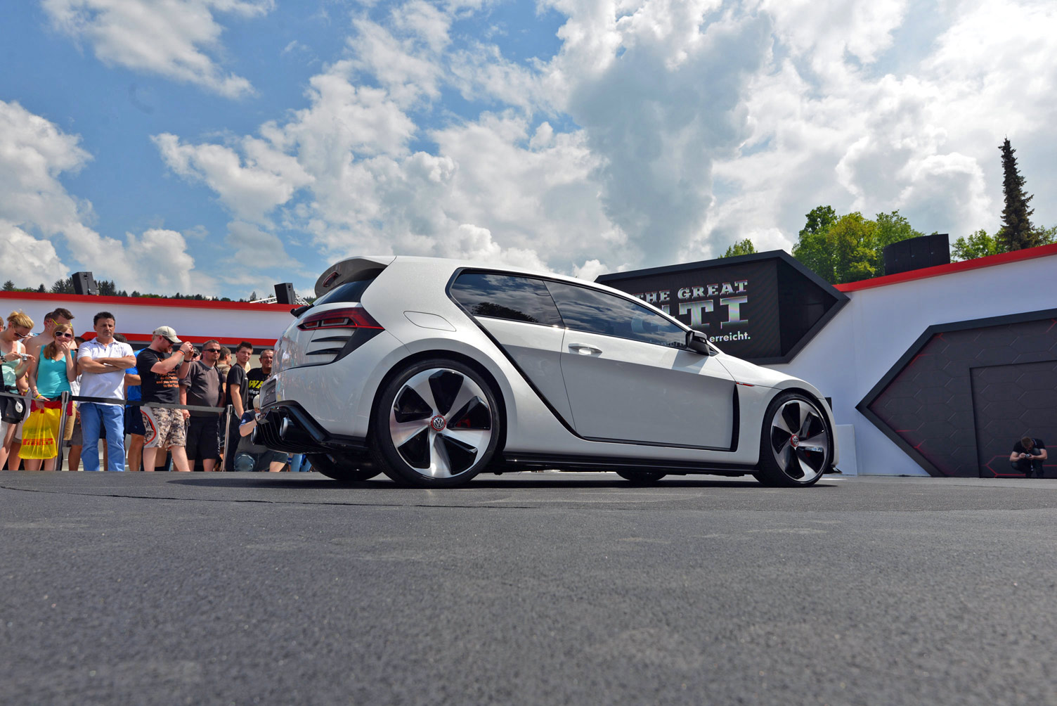 volkswagen-design-vision-gti-worthersee-037