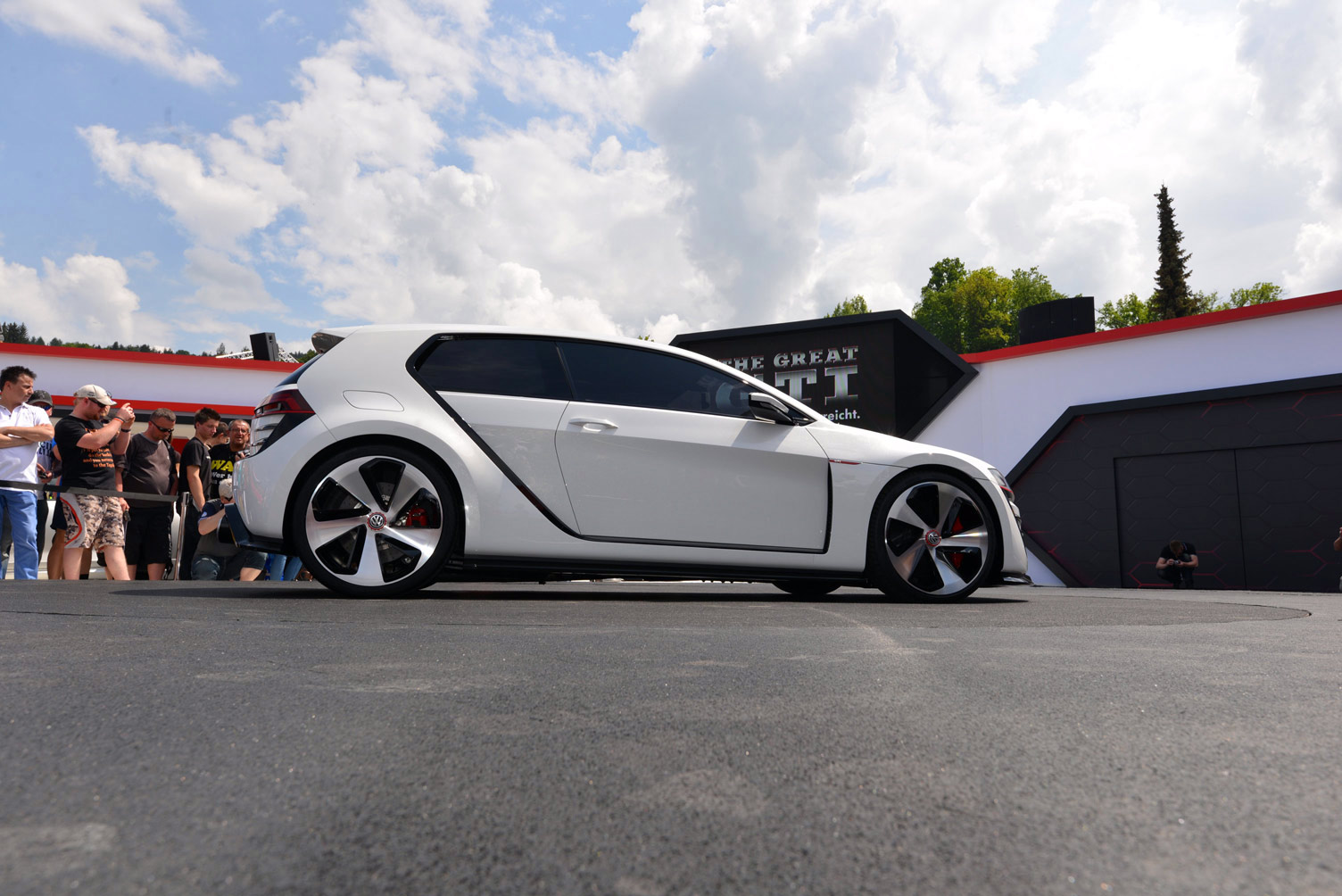 volkswagen-design-vision-gti-worthersee-038
