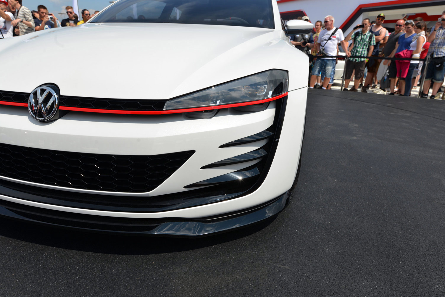 volkswagen-design-vision-gti-worthersee-042