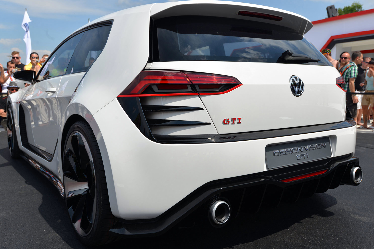 volkswagen-design-vision-gti-worthersee-045