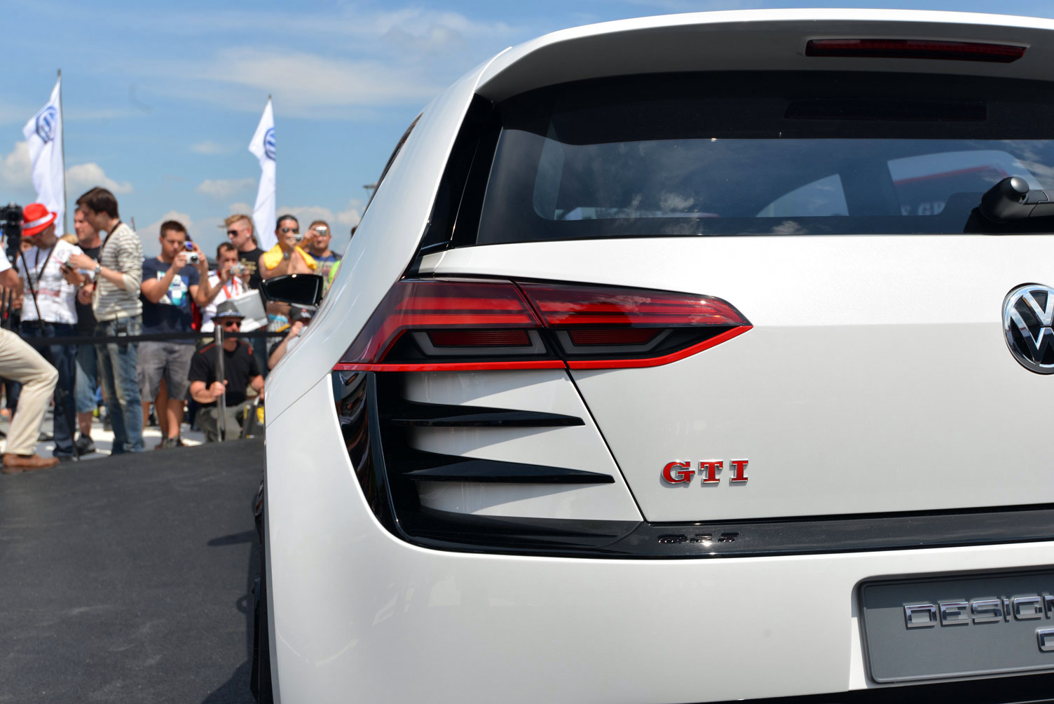volkswagen-design-vision-gti-worthersee-046