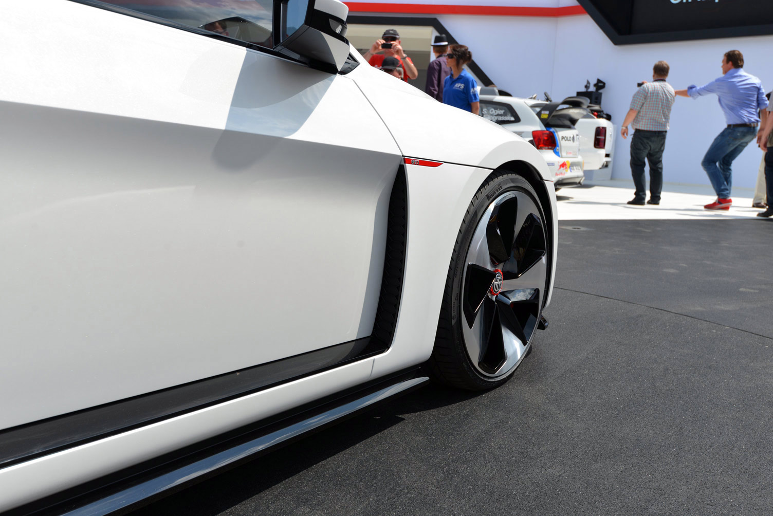volkswagen-design-vision-gti-worthersee-049