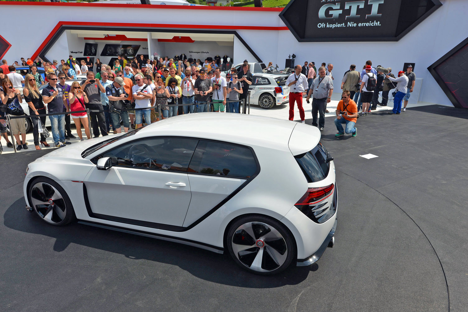 volkswagen-design-vision-gti-worthersee-051