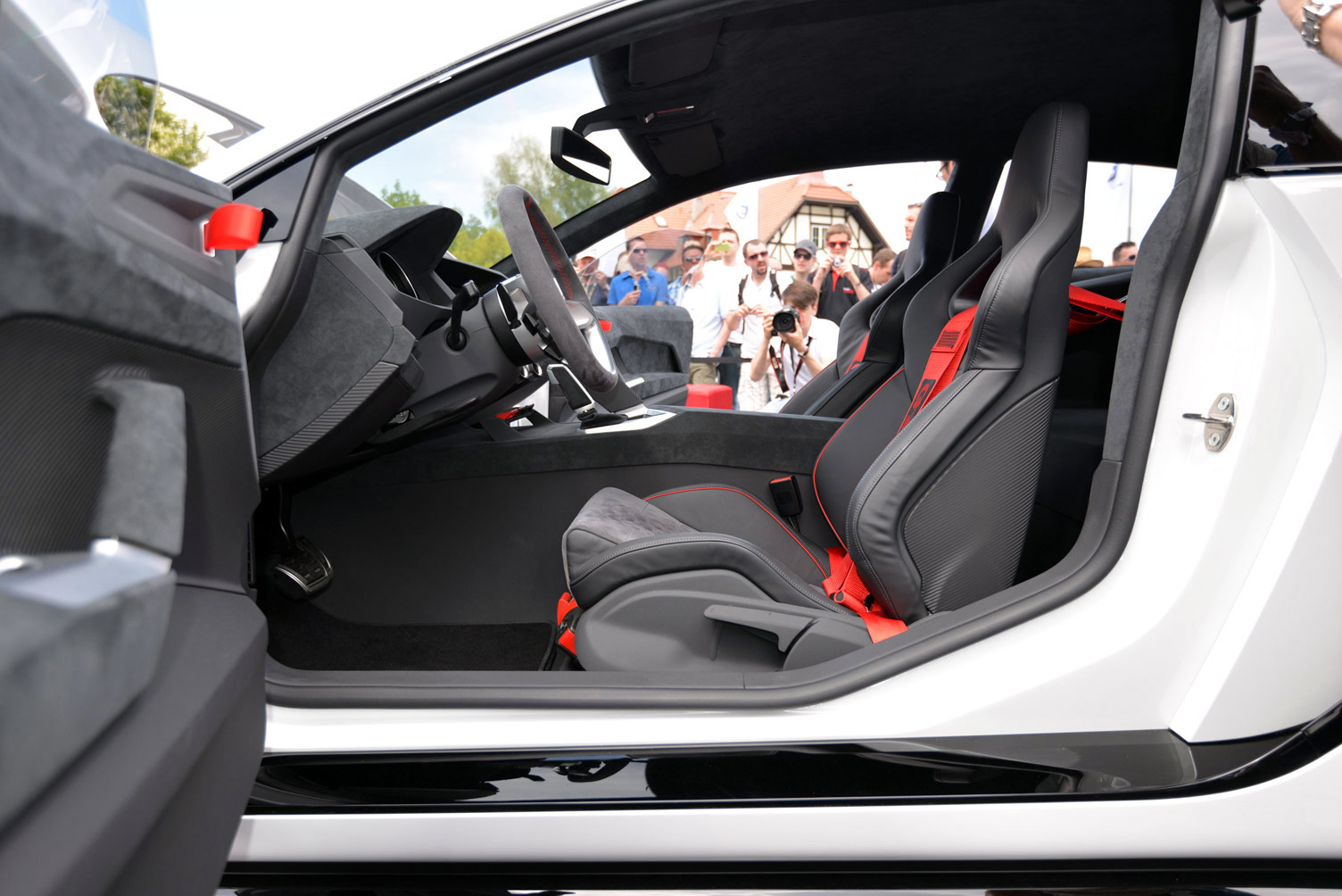 volkswagen-design-vision-gti-worthersee-058