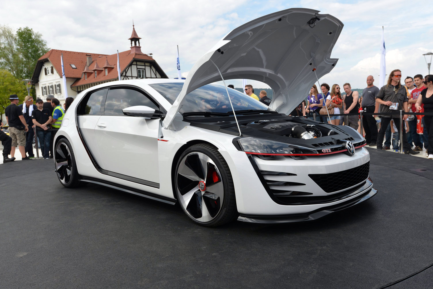 volkswagen-design-vision-gti-worthersee-072