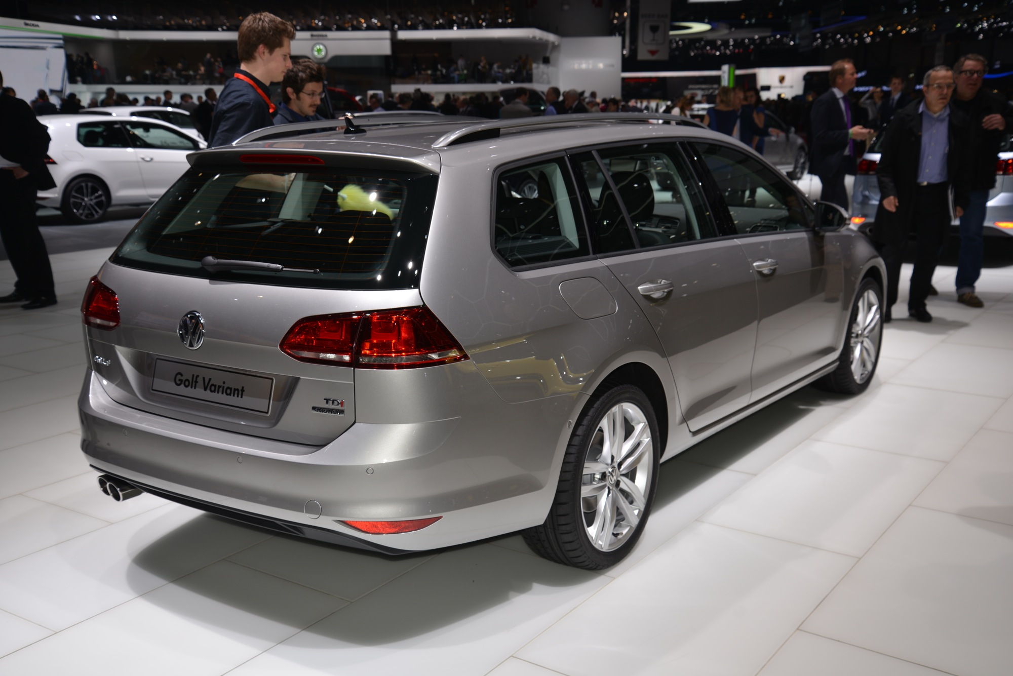 volkswagen-golf-7-estate-wagon-010