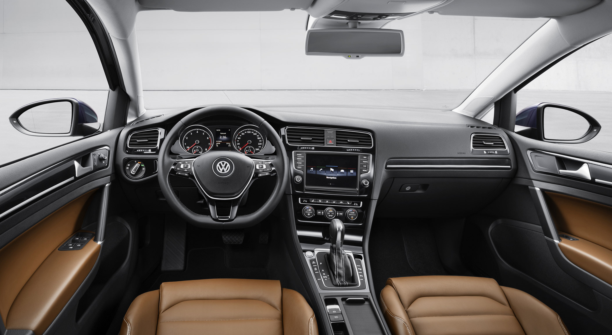 volkswagen-golf-7-interior-3