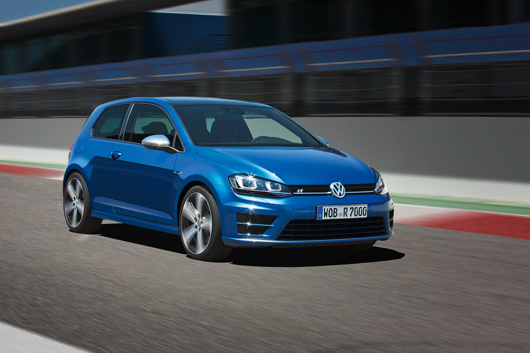 volkswagen-golf-7-r-001