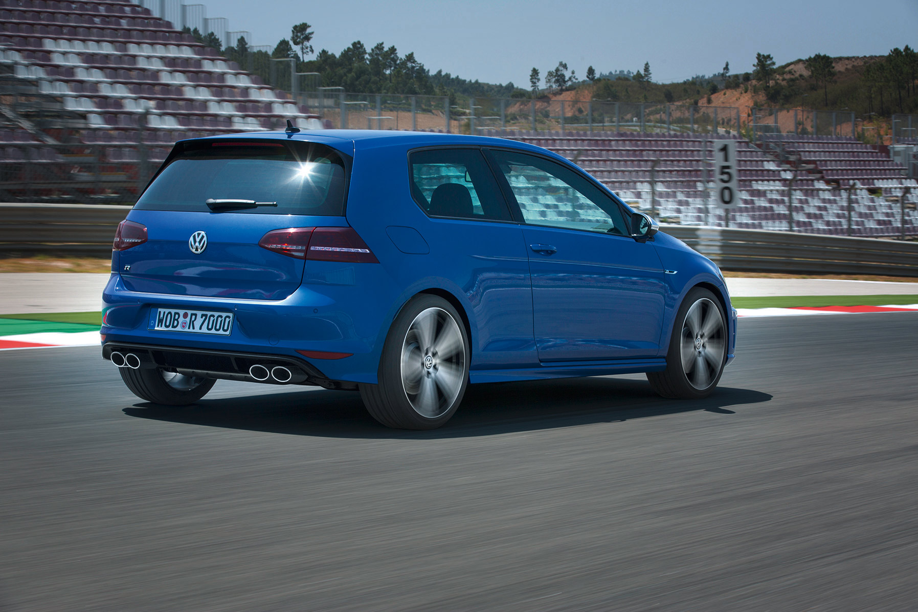 volkswagen-golf-7-r-002