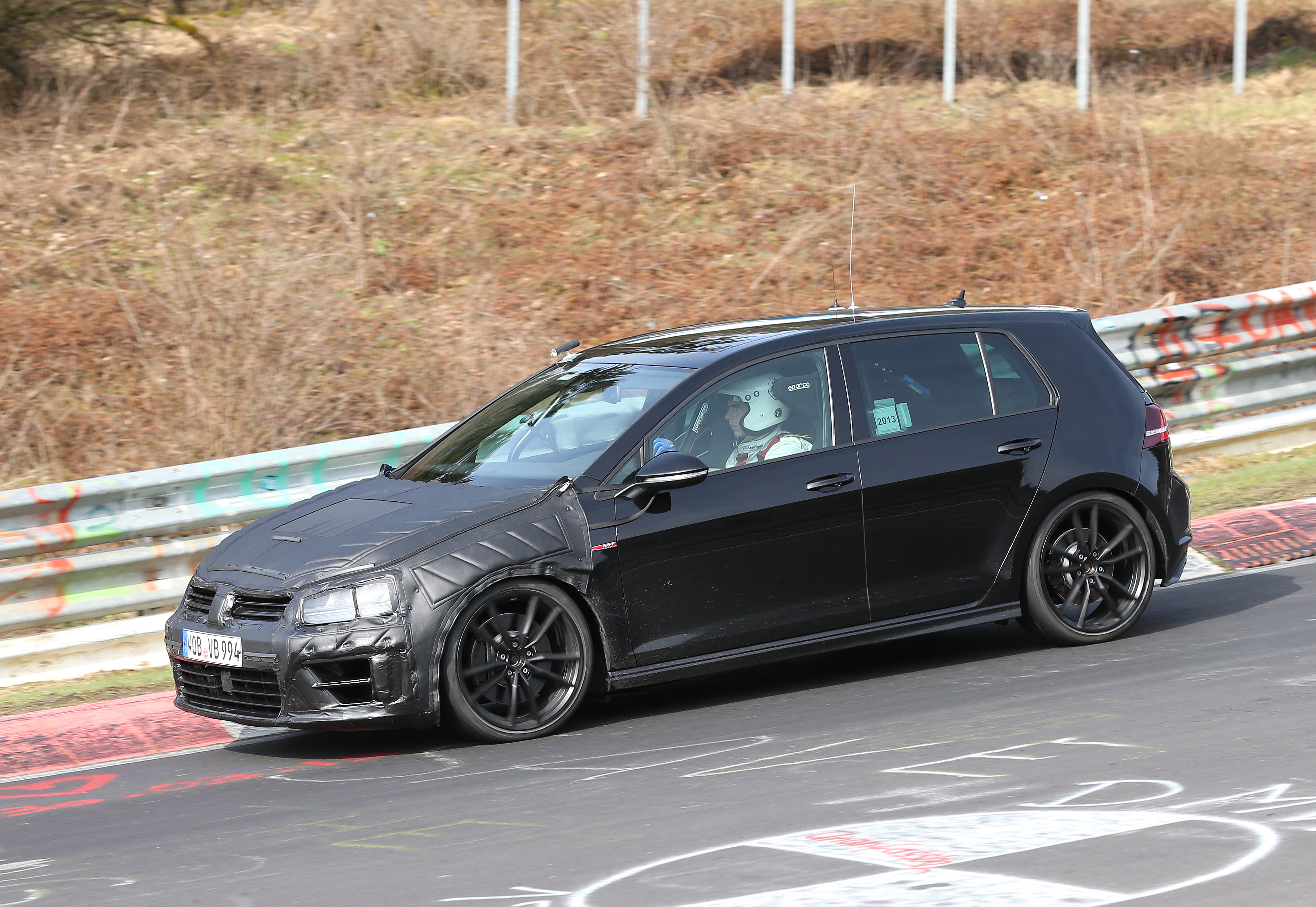 volkswagen-golf-7-R-004
