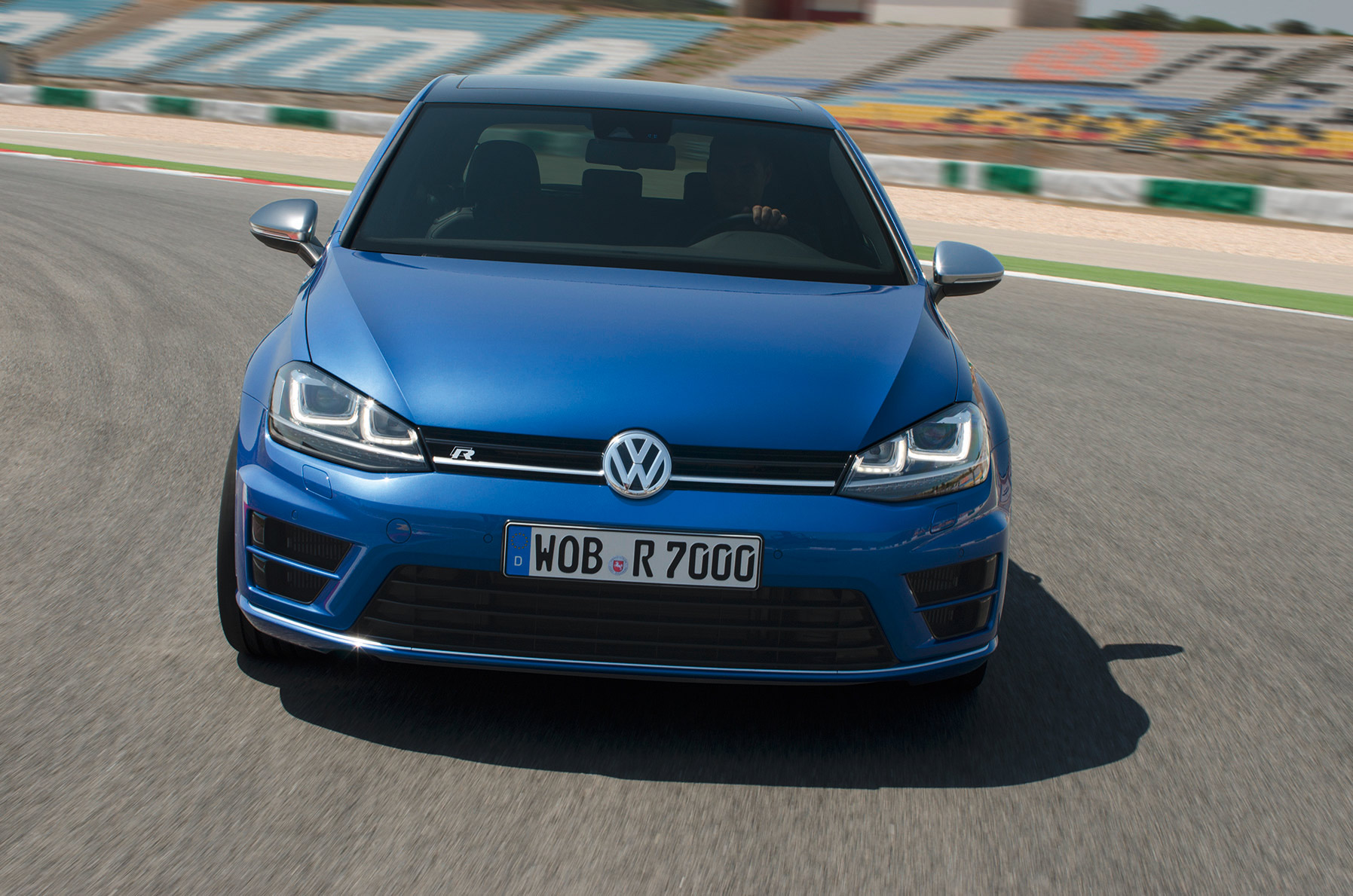 volkswagen-golf-7-r-005