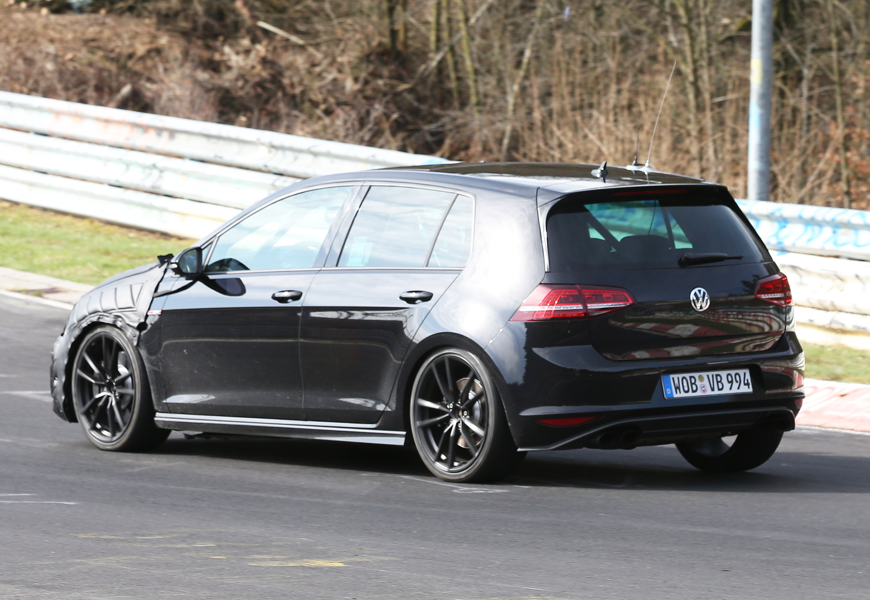 volkswagen-golf-7-R-006