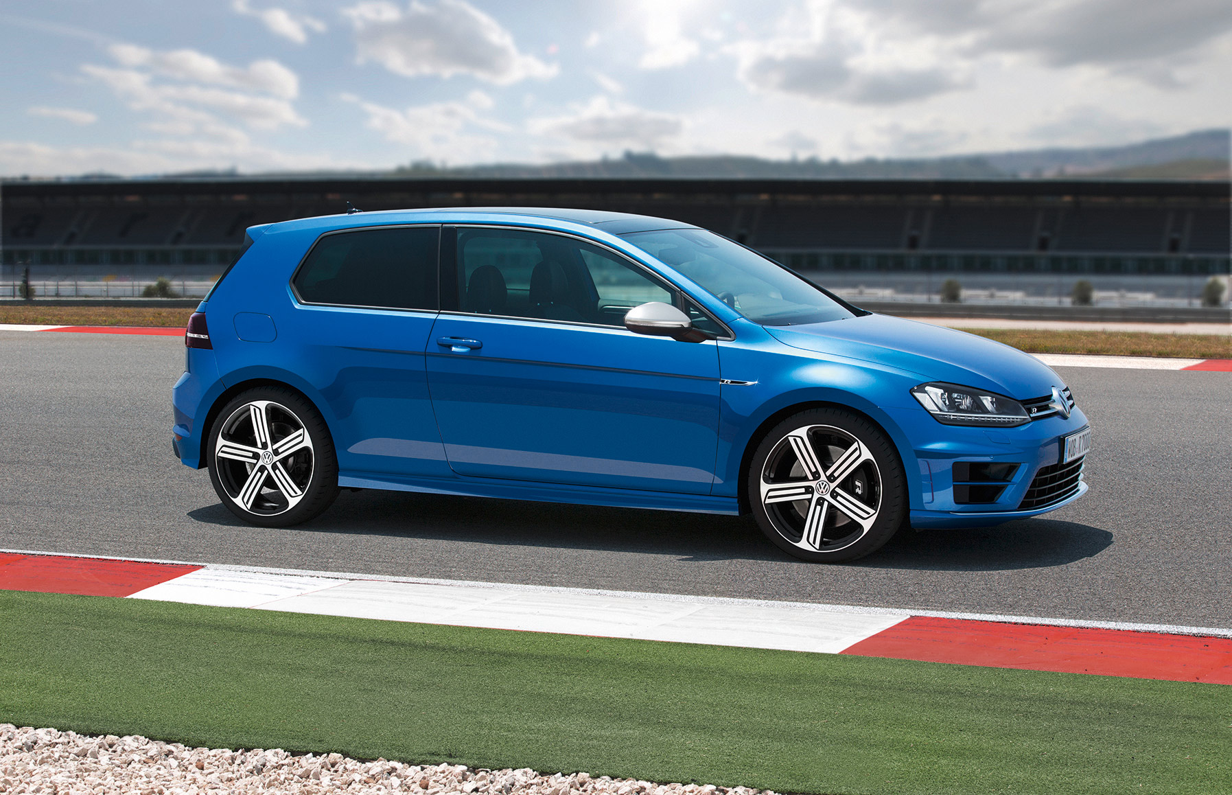 volkswagen-golf-7-r-011