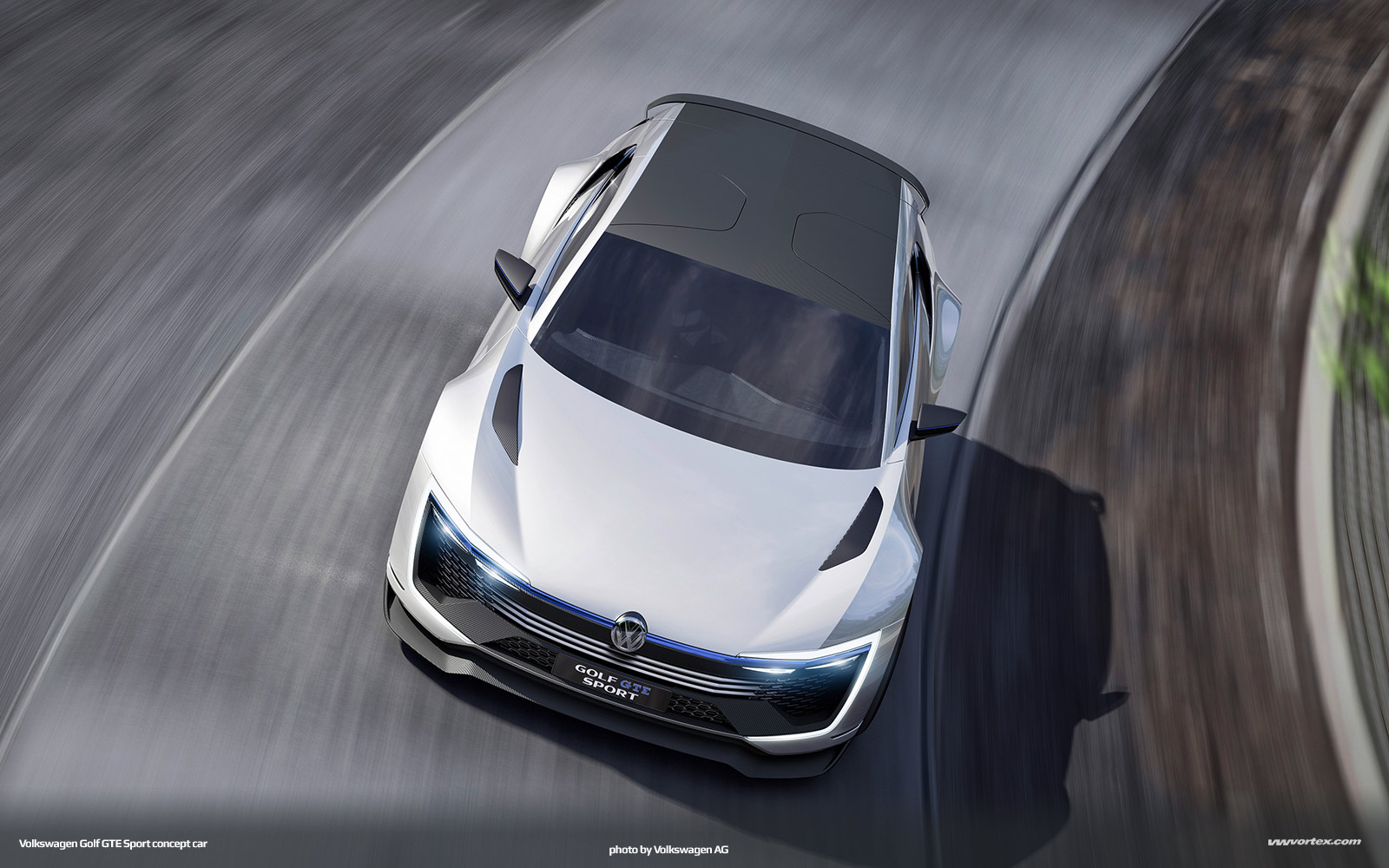 Volkswagen Golf GTE Sport concept 918 600x300