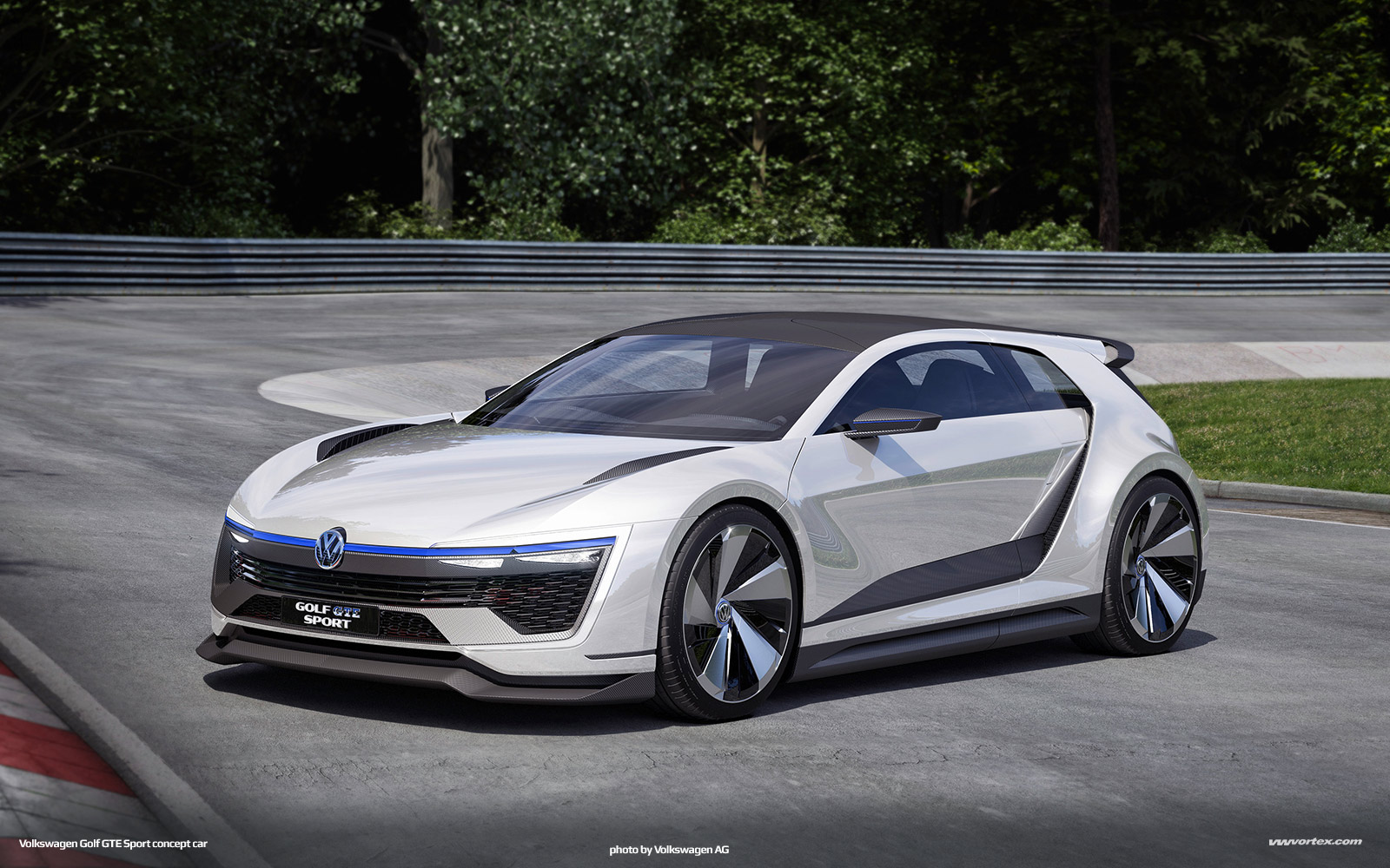 Volkswagen-Golf-GTE-Sport-concept-921