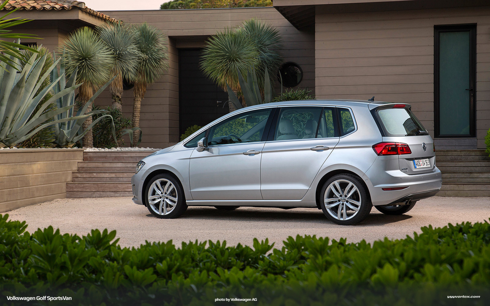 Volkswagen Golf SportsVan MQB 343 600x375