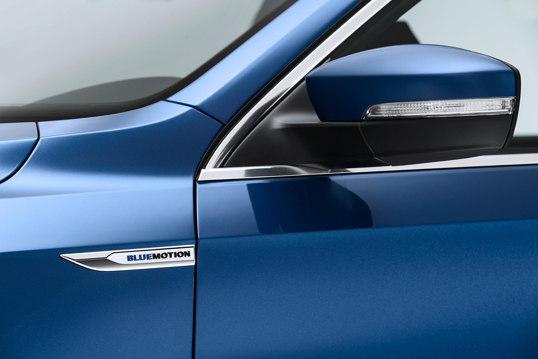 Volkswagen-Passat-Blue-Motion-Concept-2