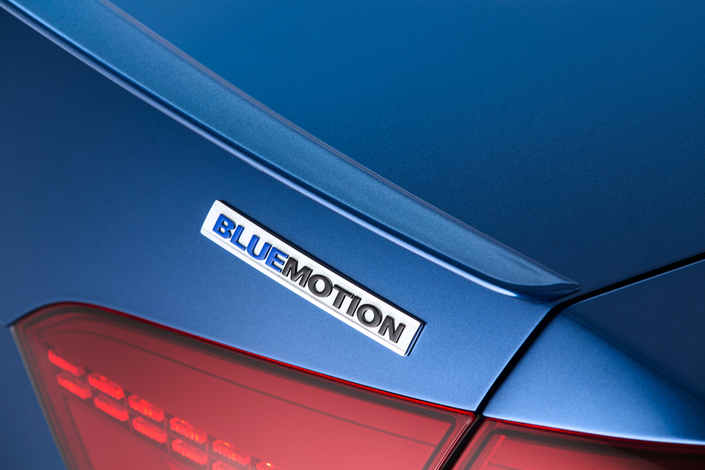 Volkswagen-Passat-Blue-Motion-Concept-4