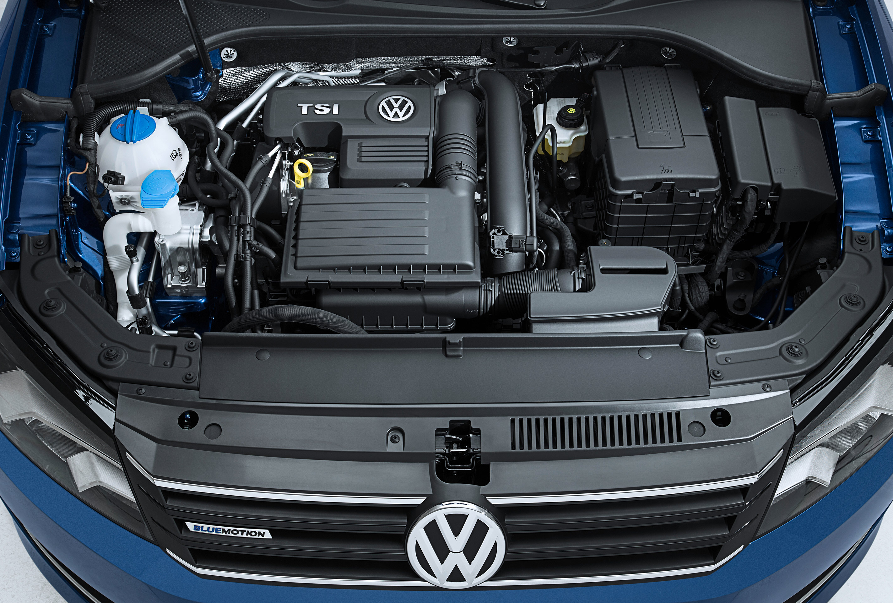 Volkswagen-Passat-Blue-Motion-Concept-7