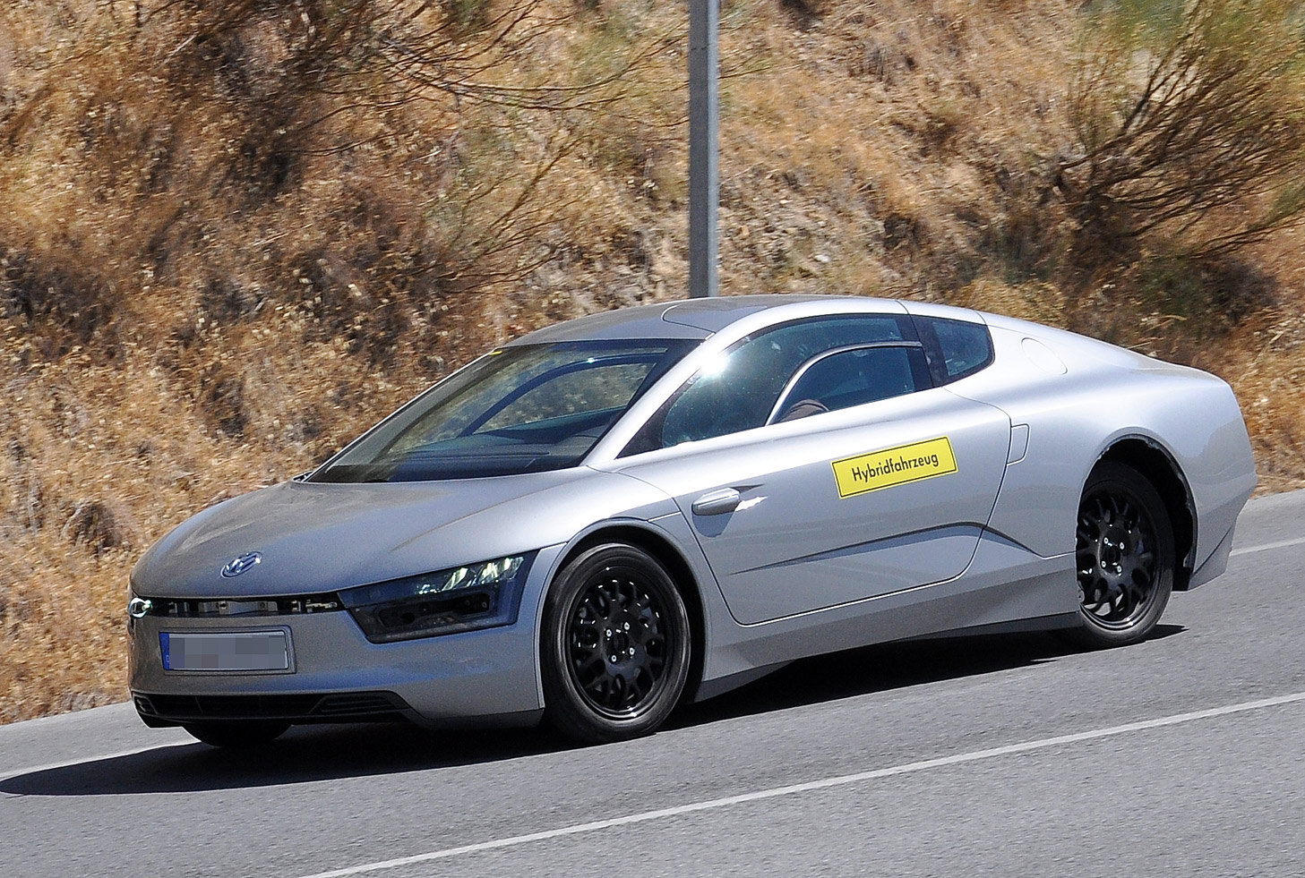 volkswagen-xl1-spy-002