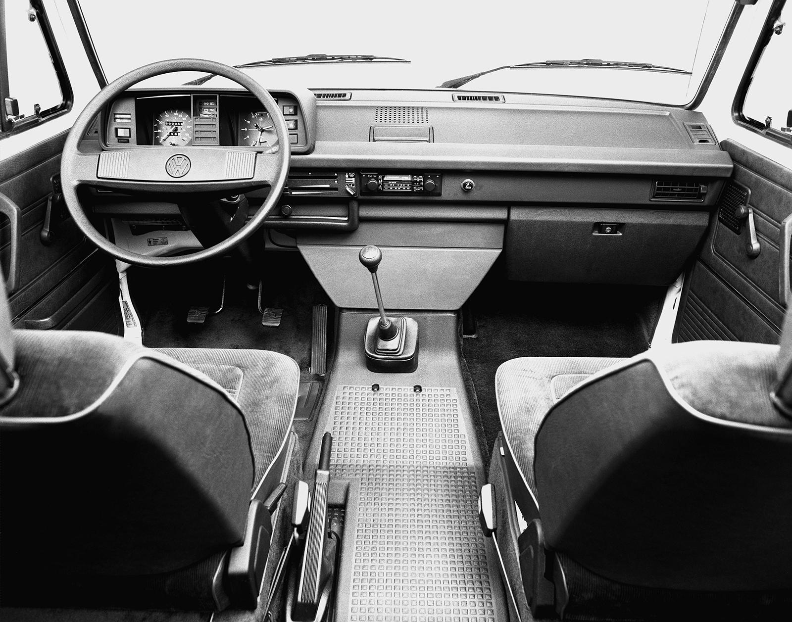 Volkswagen_Quantum_Passat_B2--11809