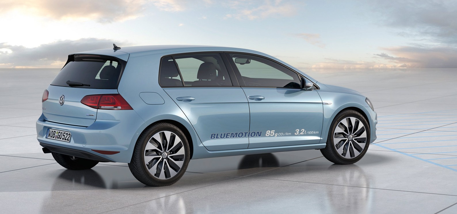 volskwagen-golf-bluemotion-concept-3