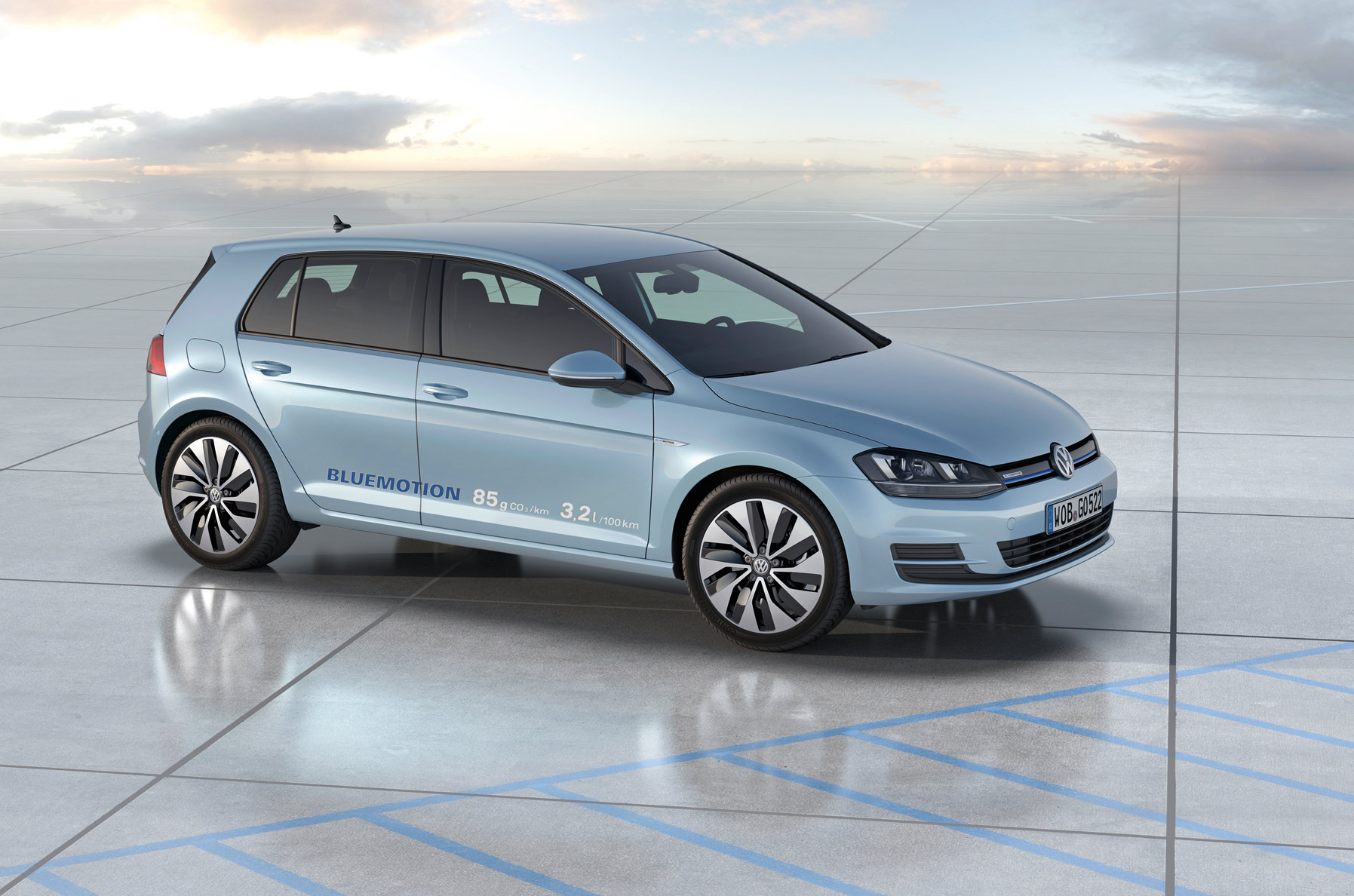 volskwagen-golf-bluemotion-concept-4