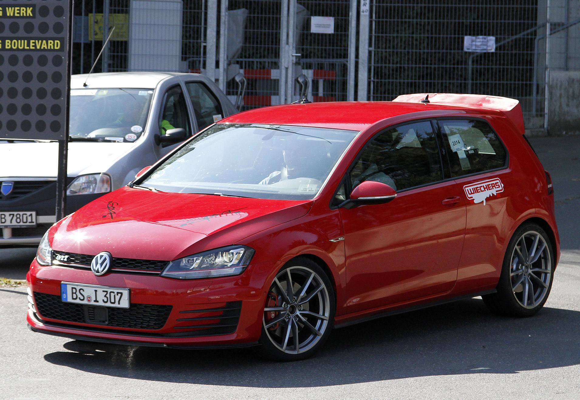 VW-Golf-GTI-CLUB-SPORT-2