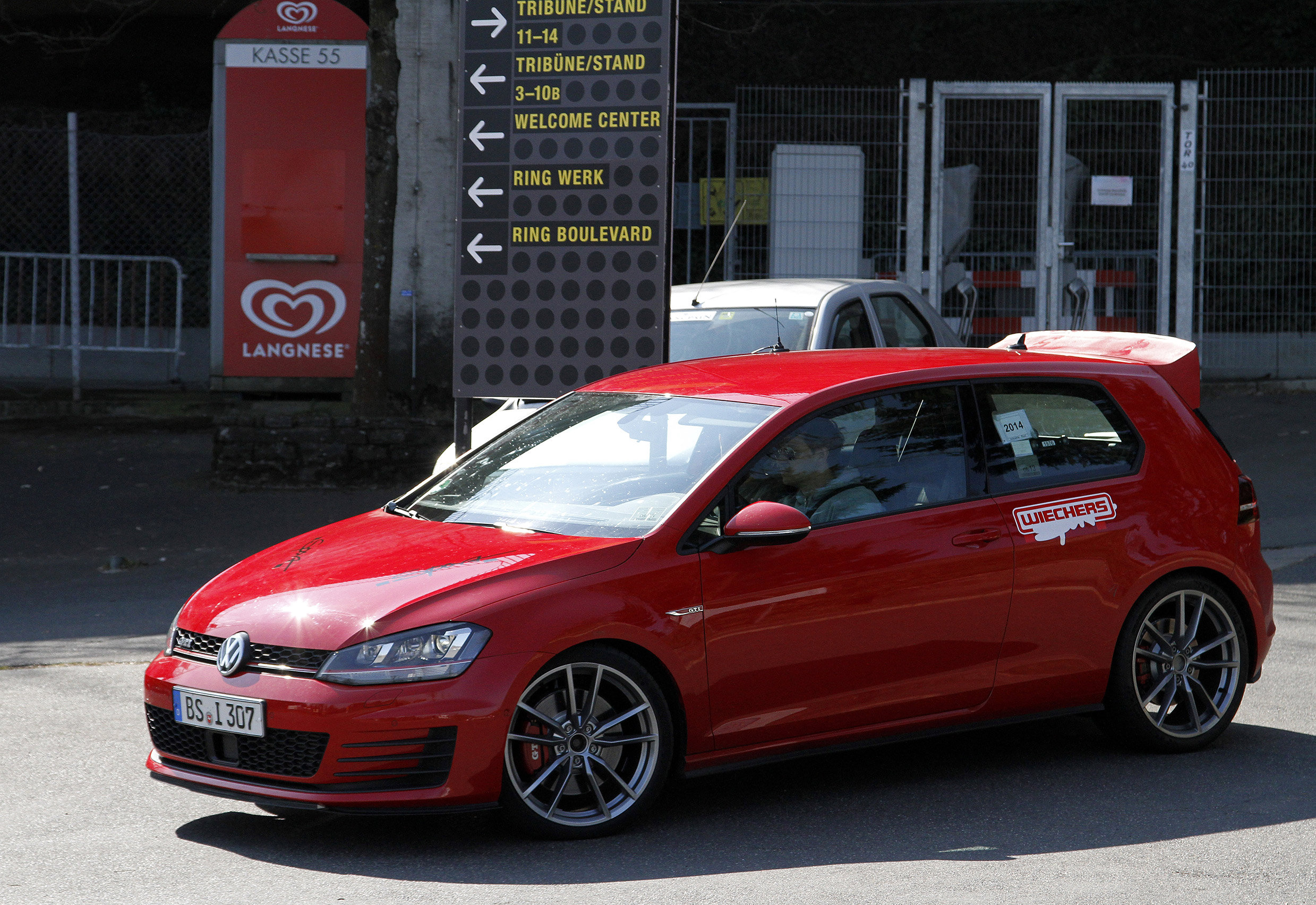 VW-Golf-GTI-CLUB-SPORT-3
