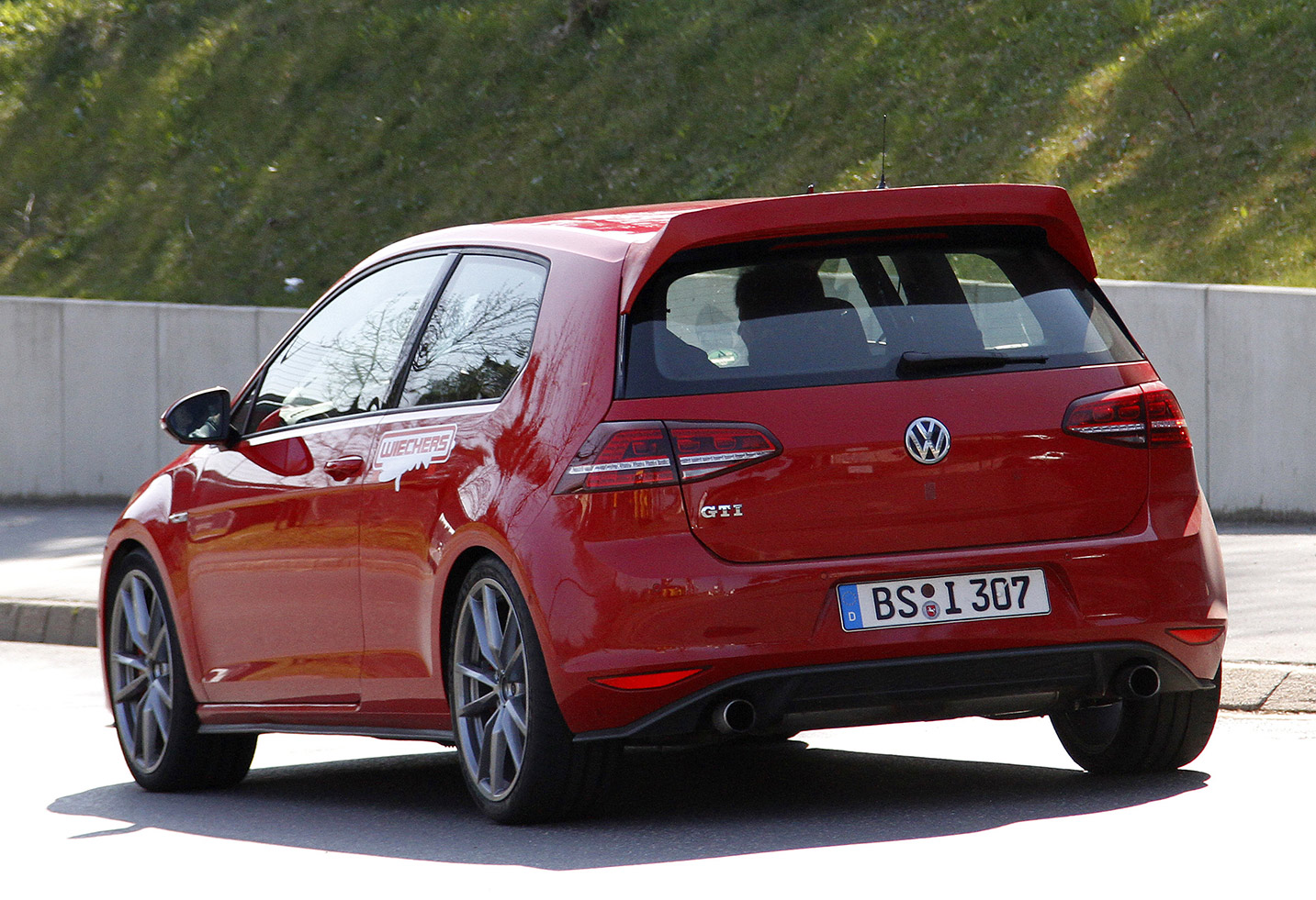VW-Golf-GTI-CLUB-SPORT-6