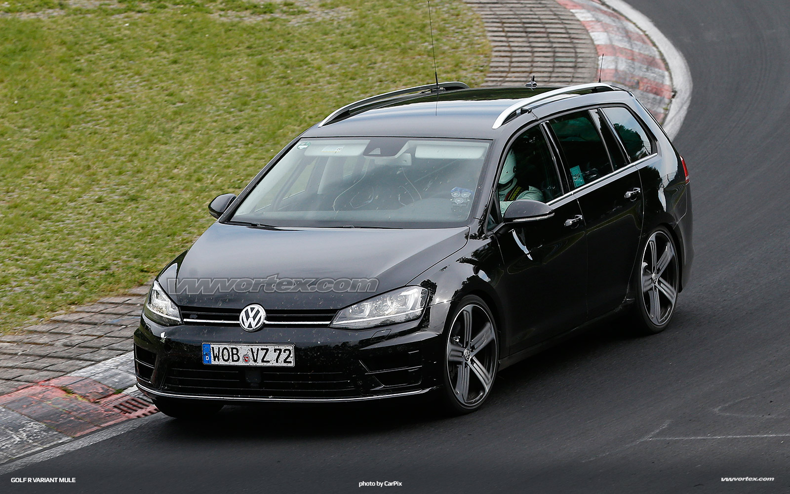vw-golf-r-variant-mule-379